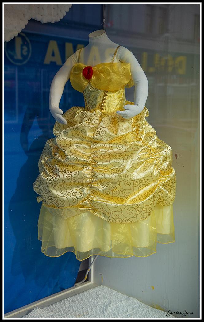 Fashion District - Yellow Dress